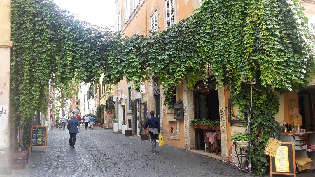 Rome, Trastevere, Via della lungaretta