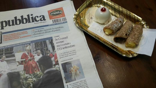 Delicious cannolo and cassatina are among the Sicilian sweets you find in Dolci di Nonna Vicenza, Rome.